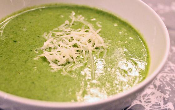 Zupa krem ze szpinaku z serem owczym i rozmarynem